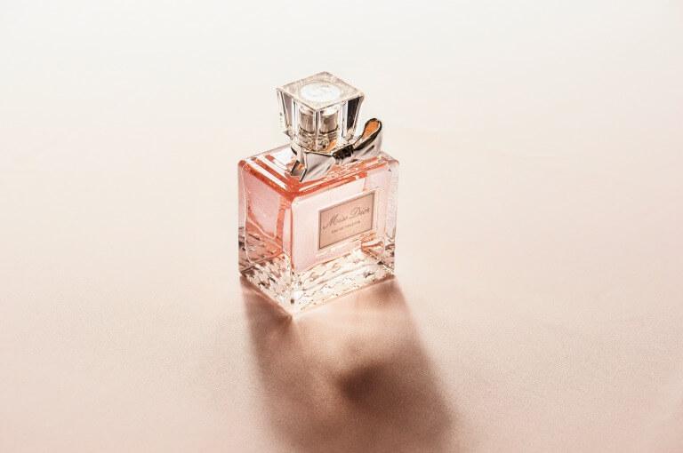 香水のイメージ写真