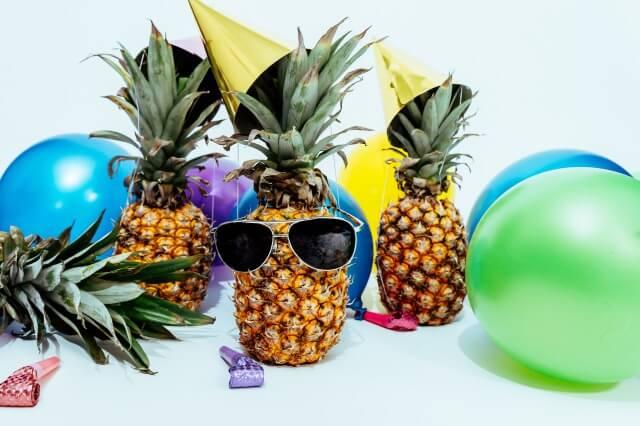 インパクトのあるパイナップルのパーティー