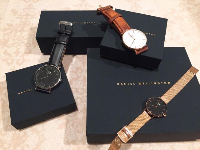 お洒落に並べられた腕時計3つ