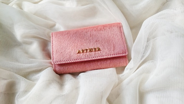 ヘアレザー・キーケース アリュール・プティのスキンピンクのキーケースの写真