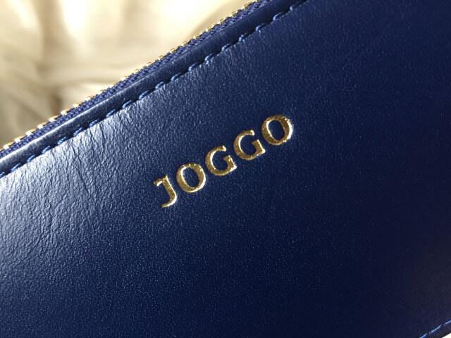 JOGGOレディースラウンドファスナー財布のロゴ