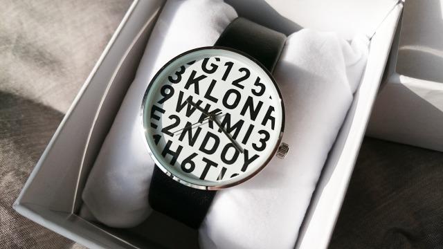 KLONのSERIAL NUMBER L腕時計