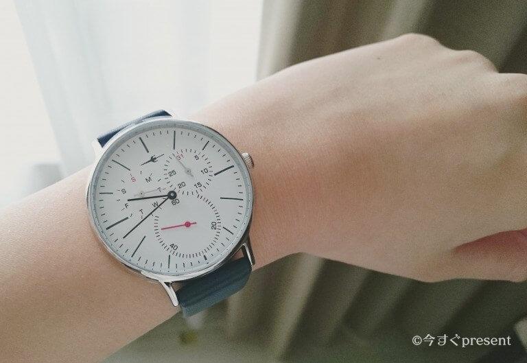 プレゼントにおすすめなTRANS CONTINENTS(トランス コンチネンツ)の腕時計の着用写真