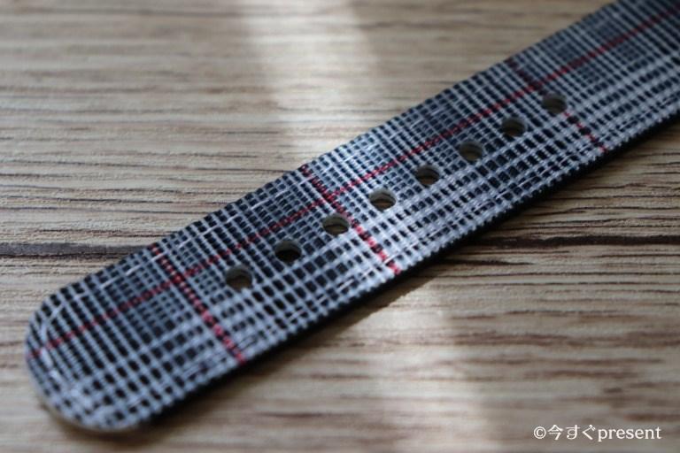 腕時計Classic Quartz 40mmのベルトの穴