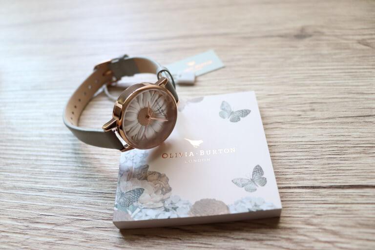 購入したオリビアバートンの腕時計