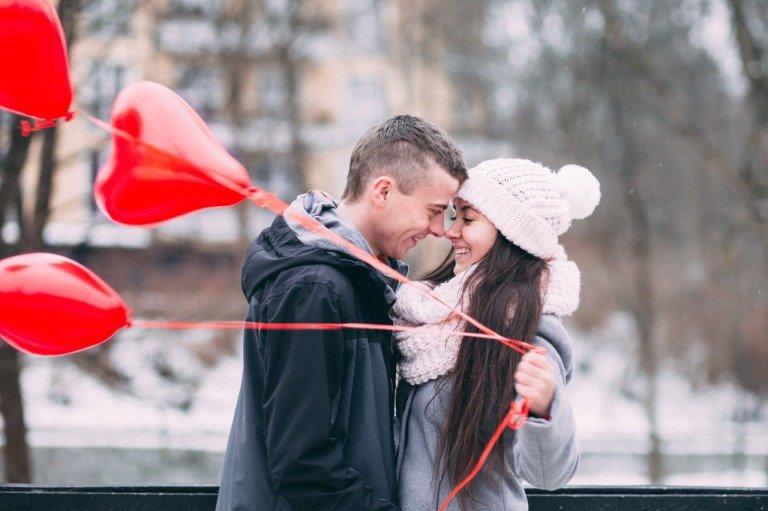 クリスマスとカップルのイメージ写真