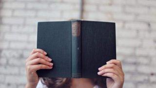 本好きにプレゼントしたい「読書が捗るグッズ」10選!高級&お洒落_アイキャッチ