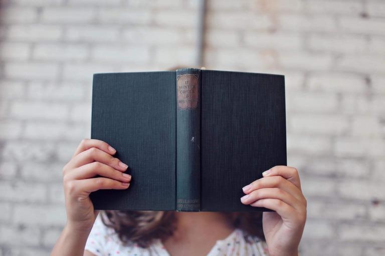 読書好きな女性
