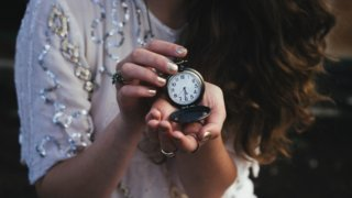 【腕時計】彼女へクリスマスプレゼントとして贈りたいブランド15選_アイキャッチ