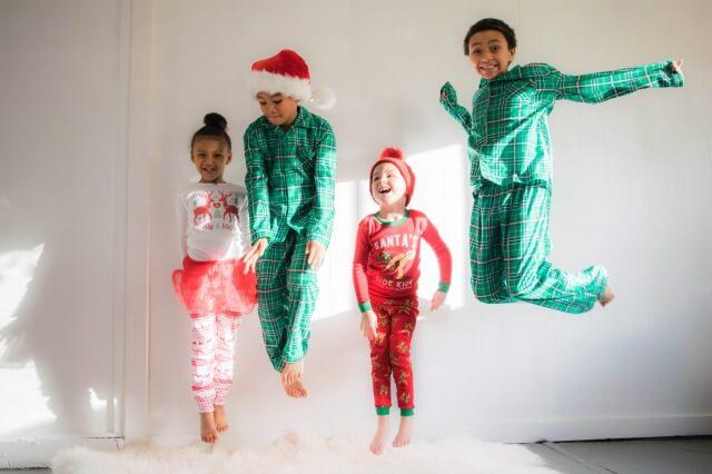クリスマスが楽しみな小学生