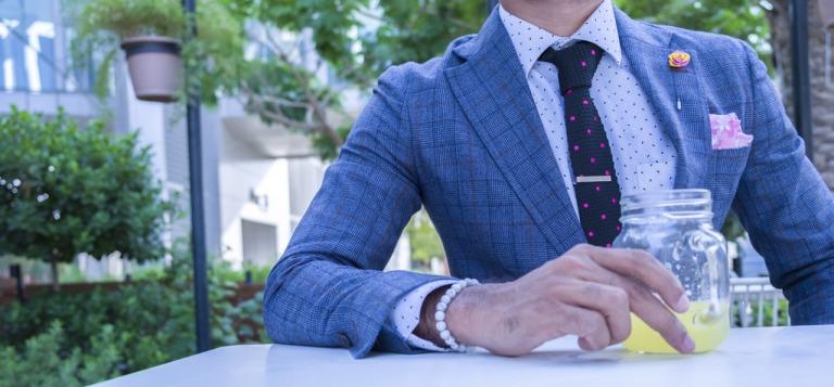 ネクタイを着用した男性のイメージ4