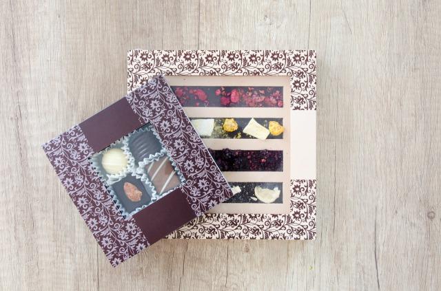 お菓子の箱のイメージ