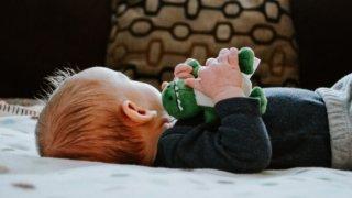 男の子の出産祝いで本当に欲しいプレゼント15選【現役ママが厳選】_アイキャッチ