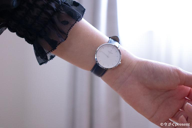 Nordgreen_腕時計_身に着けた写真
