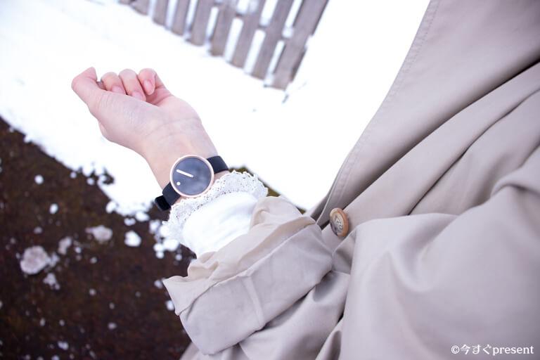 彼女着用のPICTOの腕時計