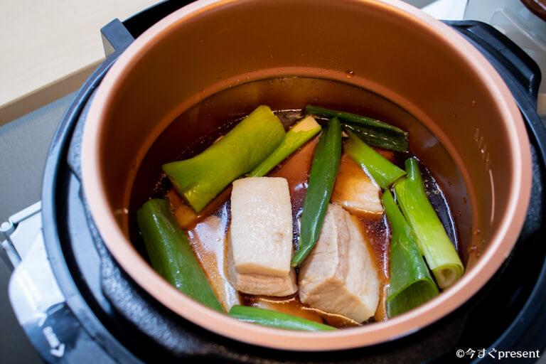 プレッシャーキングプロで料理している写真3