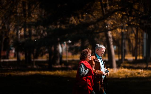 70代の母と父のイメージ2