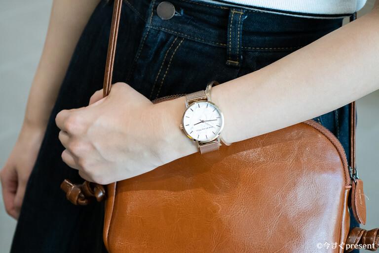 クリスチャンポール 腕時計 カジュアルコーデ