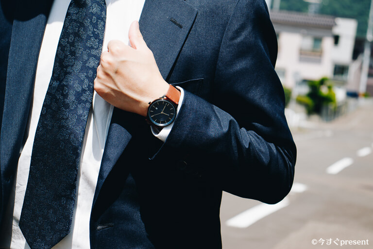 LAGOM WATCHES_着用_スーツ