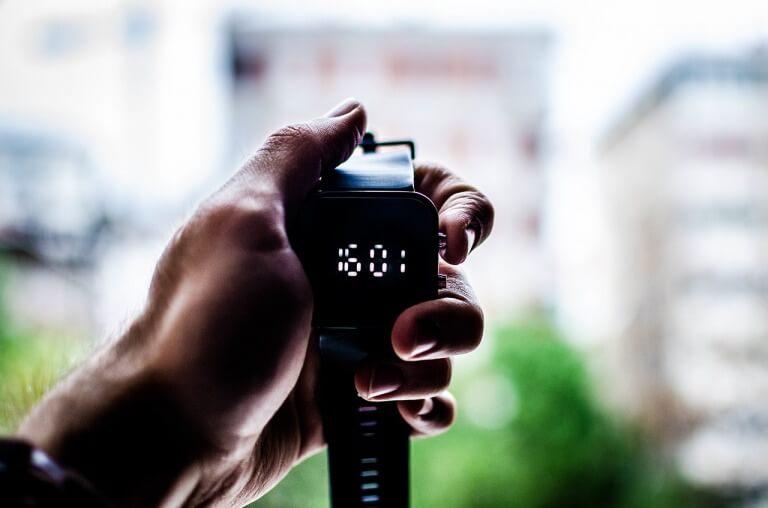 シンプルなメンズ腕時計のイメージ