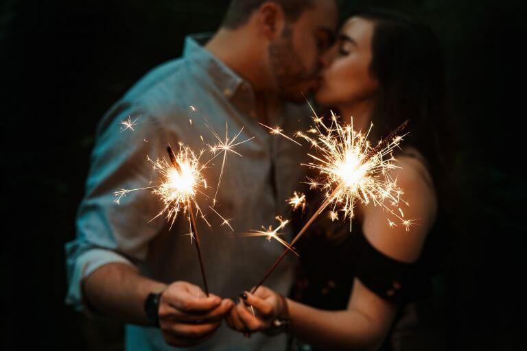 20代のカップルのイメージ