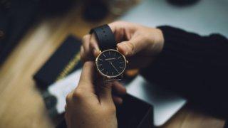 シンプルなメンズ腕時計ブランド27選。男性へのプレゼントにも_アイキャッチ