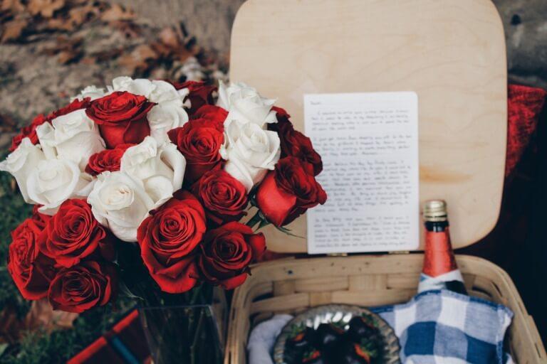プレゼントと手紙のイメージ
