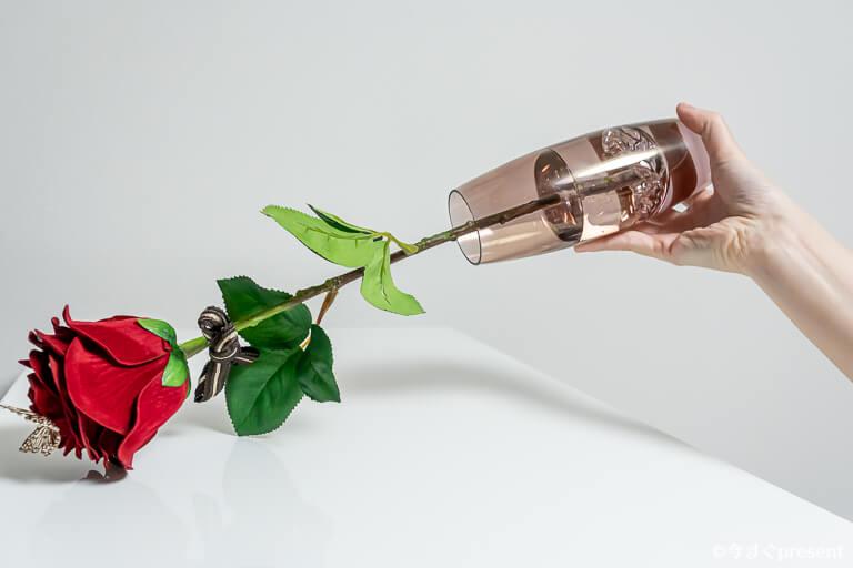 メリアルームメン_赤バラ_花瓶の中の水