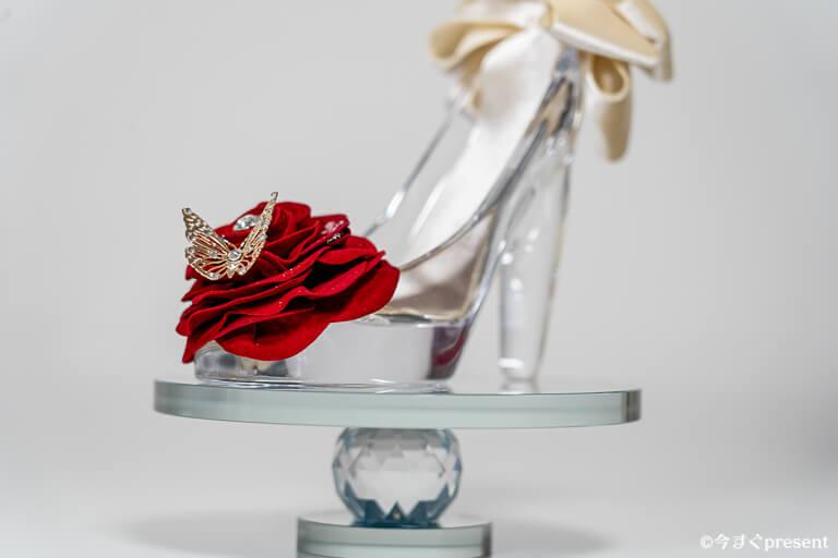 メリアルームメン_ガラスの靴_ミラースタンド_飾っている写真