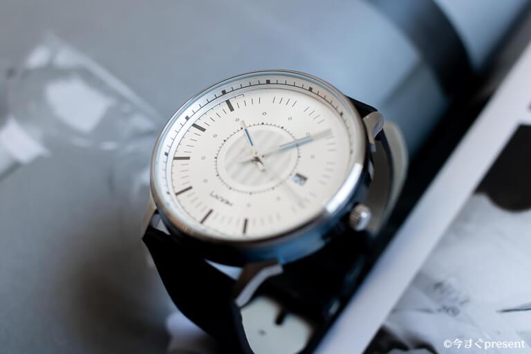 Lagom Watches_LW037_斜めの盛り上がり