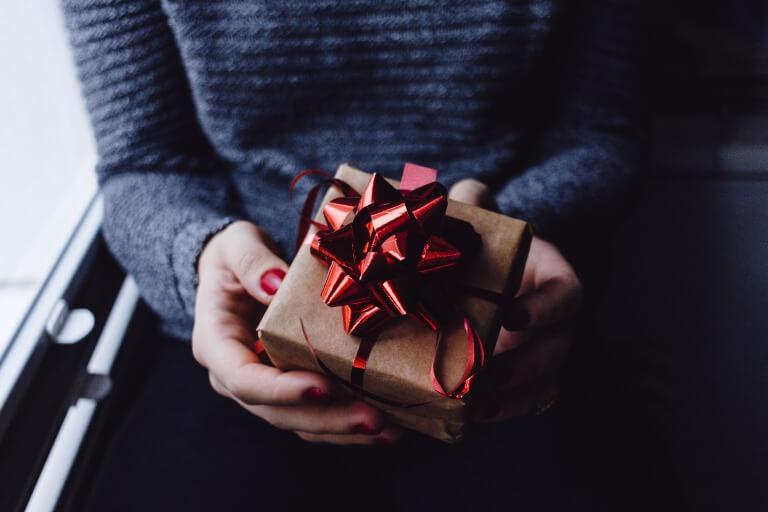 女友達へのプレゼントのイメージ