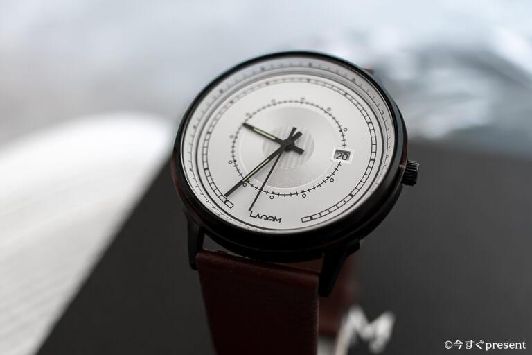 Lagom Watches_LW031_斜めの盛り上がり