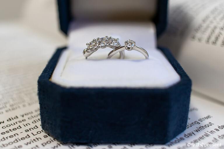 ニューヨークからの贈り物_購入したトリロジー フープピアス_婚約指輪と比較