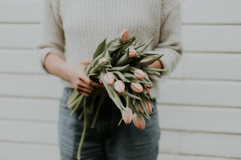 母に贈る花のイメージ写真
