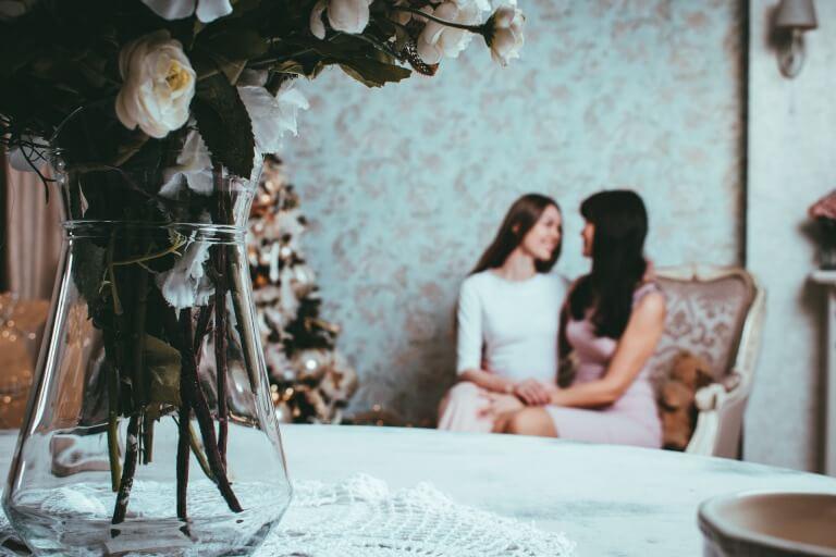 母と娘のイメージ写真
