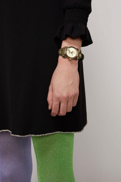 MARC JACOBS_The Cuff Watch 32mm_着用
