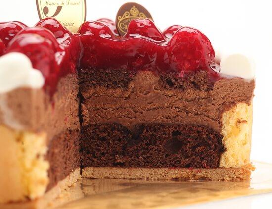 CASA MINGO_最高級洋菓子 ヴァルトベーレ木苺チョコレートケーキ_断面