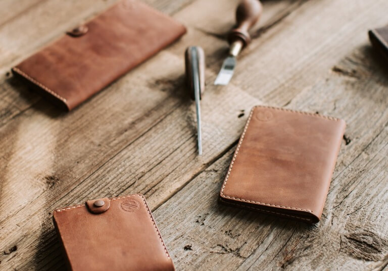 長財布と短財布のイメージ写真