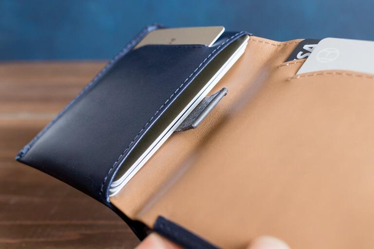 ベルロイ_Bellroy Note Sleeve Wallet_カード入れの詳細