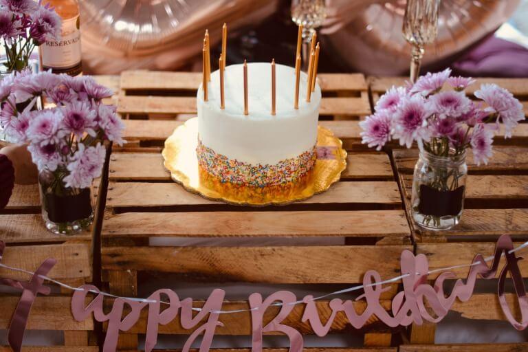 【30代】女友達に喜ばれる誕生日プレゼント。みんなが欲しいと答えたギフト公開!_アイキャッチ