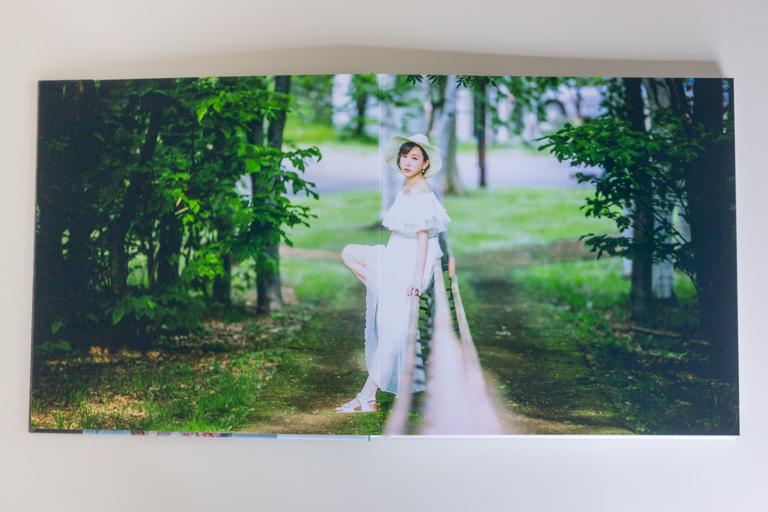 MyBook_マイブック_見開きの被写体が真ん中にある写真