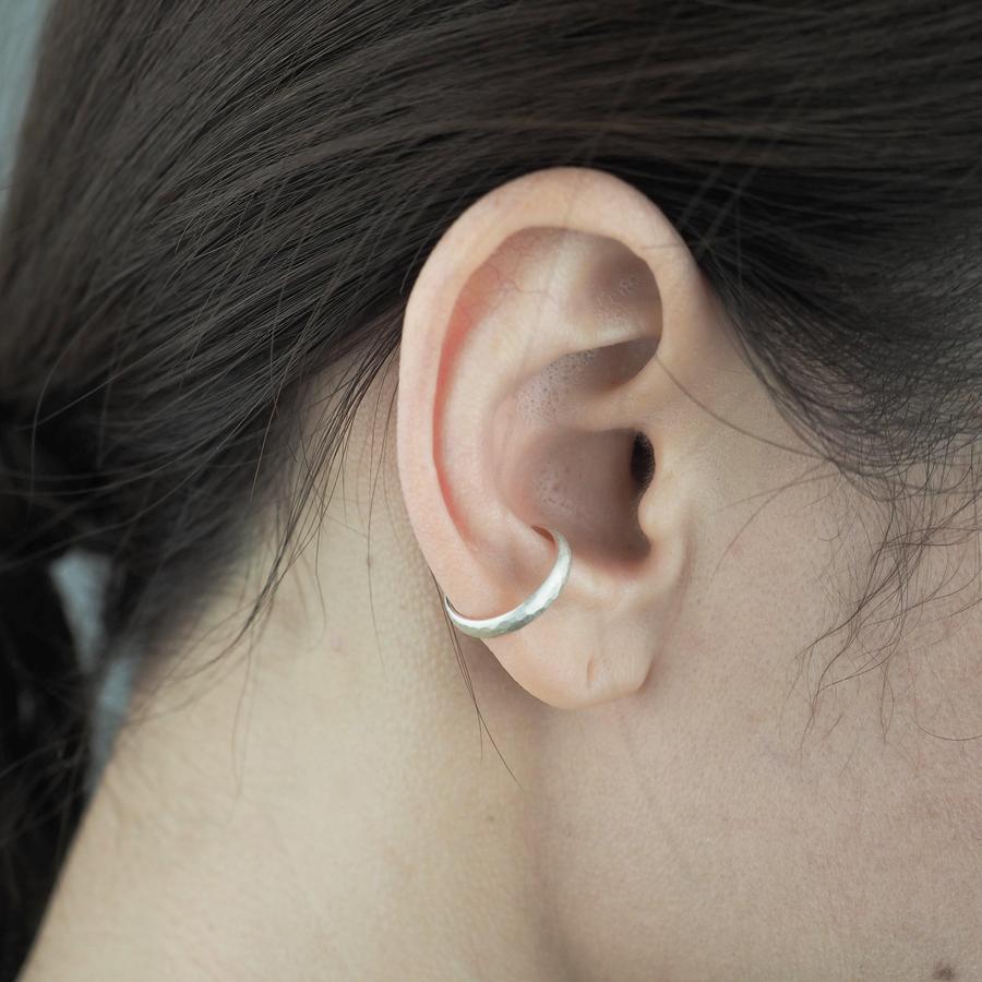 yuzen_ユゼン_SILVER EAR CUFF TSUCHIME 002 シルバー イヤーカフ_商品写真2