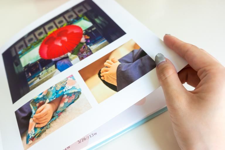 ビスタプリント_肌の質感が分かりやすい写真をレイアウトしたページ