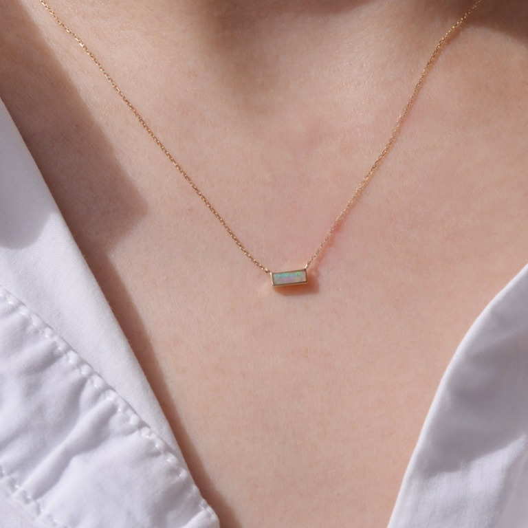 sowi_都会的でおしゃれなネックレスのイメージ