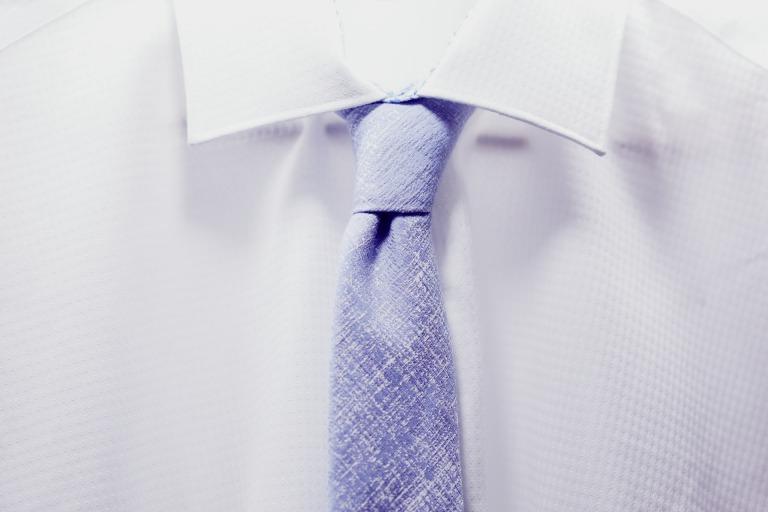 ネクタイの素材がわかりやすい写真