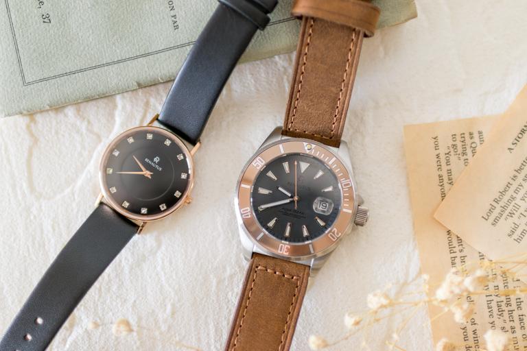 RENAUTUS_ルノータス_機械式とクォーツ式の腕時計を並べて比較