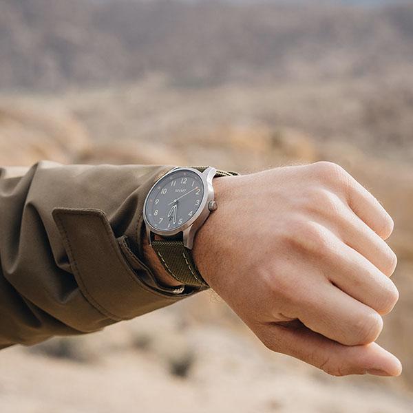 MVMT_メンズ腕時計_アクティブなデザインのイメージ