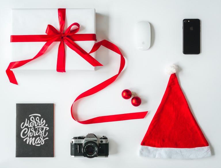 【2021年最新】社会人の彼氏が喜ぶクリスマスプレゼント37選_アイキャッチ写真